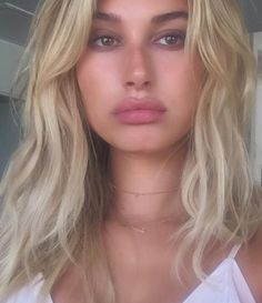If you still haven't seen Hailey Baldwin's new haircut.. you need to. It is totally going to inspire you to chop your hair.