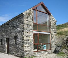 County Cork Painter's Studio / LOCAL Barn Renovation in Ireland / Commercial Industrial Lifts Architecture Renovation, Barn Renovation, Architecture Design, Cottage Renovation, Houses In Ireland, Ireland Homes, Stone Barns, Stone Houses, Painters Studio