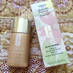 NIB Clinique Even Better foundation Alabaster Wear oil-free, dermatologist-developed Even Better Makeup SPF 15 and something amazing happens: Without any makeup, see improved clarity, a more even skin tone, visibly diminished age spots. For all ethnicities. In just 4 to 6 weeks. Broad spectrum SPF helps protect against future darkening. For continued benefits-even after you take it off-partner with Even Better Clinical Dark Spot Corrector. Clinique Makeup Foundation