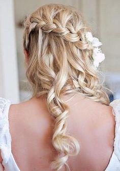 fonott+menyasszonyi+frizurák,+fonott+esküvői+frizura+-+fonással+díszített+menyasszonyi+frizura+