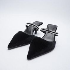 Brand Name: LYXLYHUpper Material: FlockHeel Height: High (5cm-8cm)With Platforms: NoOccasion: CasualSandal Type: Ankle-WrapHeel Type: Square heelLining Material: CanvasSide Vamp Type: OpenOutsole Material: RubberClosure Type: Buckle StrapFit: Fits true to size, take your normal sizeBack Counter Type: Back StrapFashion Beige Shoes, Black Shoes, Fashion Slippers, Fashion Shoes, Half Shoes, Stripper Heels, Roman Sandals, Luxury Shoes, Loafers For Women