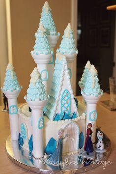 Honeybee Vintage: DIY: Frozen Inspired Birthday Cake