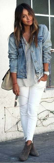 Take a look at 14 stylish spring outfits with white jeans in the photos below and get ideas for your own amazing outfits! White jeans, chambray shirt and brown accessories Amazing Outfits Image source Street Style Trends, Street Styles, Denim Jacket Outfit Winter, Trendy Fashion, Fashion Outfits, Stylish Outfits, Fashion Trends, Fashion Clothes, Winter Fashion