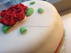 Rose fondant red velvet cake