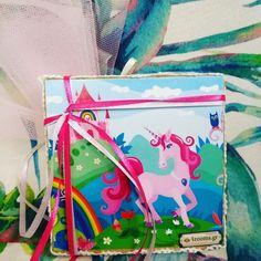 Ξύλινο καδρακι 10*10 με θεμα μονόκερος, διακοσμημένα με βαμβακερή δαντέλα στο πλάι. Φτιάχνουμε σε όλες τις διαστάσεις. Τηλεφωνικές παραγγελίες 📲+306973490687 Gift Wrapping, Gifts, Paper Wrapping, Presents, Wrapping Gifts, Gifs, Gift Packaging, Favors, Wrap Gifts