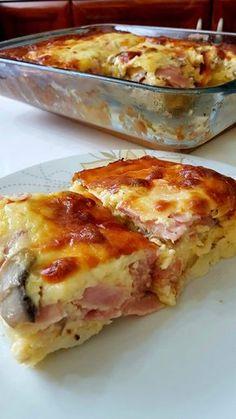 Εύκολο σουφλέ πατάτας με αλλαντικά μανιτάρια και τυρί που θα σας ξετρελάνει!!! Ταιριάζει σε οικογενειακά τραπέζια και σερβίρετε ζεστό!!!!...