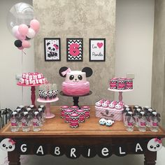 Switch everything to blue, I like the setup of the sweet table Panda Themed Party, Panda Birthday Party, Panda Party, Birthday Diy, Girl Birthday, Birthday Parties, Pink Panda, Panda Love, Bolo Panda