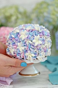These Hydrangea Cakes are gorgeous miniature cakes that look like hydrangea flowers! You'll be surprised to learn how easy it is to make the pretty, colorful blossom design on the outside. The inside is beautiful, too, with swirls of multicolored cake! Cupcakes, Cake Cookies, Cupcake Cakes, Mini Tortillas, Super Easy Dessert Recipe, Cake Recipes, Dessert Recipes, Drink Recipes, Cake Flour