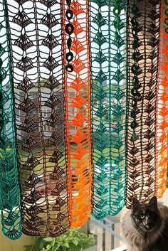 Crochet curtains is a perfect way to make a small change to the kitchen. You can choose any crochet pattern and create your own curtains design. Crochet Curtain Pattern, Crochet Curtains, Burlap Curtains, Floral Curtains, Colorful Curtains, Hanging Curtains, Crochet Patterns, Crochet Diagram, Home Crafts
