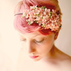 i think i'd look like a fat 12 year old boy with this haircut, but if i were thin i'd probably do it. and dye it pink.