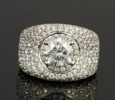 18K WHITE GOLD AND DIAMOND RING Annual Holiday Auction | Official Kaminski Auctions