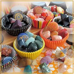 Crystals and minerals as cupcakes ;)  / Photo © www.VioletAura.com