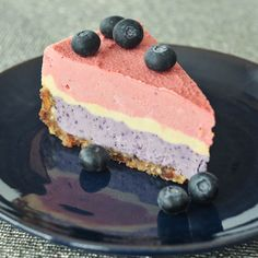 Triple Berry Raw Cheesecake - Red, White, Blue - a colorfully cool and festive cheesecake with fresh berry flavors, perfect for Fourth of July and all summer long! Layer Cheesecake, Berry Cheesecake, Cheesecake Crust, Vegan Cheesecake, Raw Desserts, Just Desserts, Healthier Desserts, Cupcakes, Raw Food Recipes