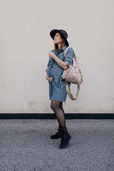 Am Mamablog findest du 3 Herbst Outfits für Schwangere, dich ich gerade am liebsten trage. Hochschwanger, im 10. Schwangerschaftsmonat und das ganz ohne Umstandsmode! www.whoismocca.com Casual Chic Outfits, Cute Maternity Outfits, Curvy Plus Size, Fashion Beauty, Womens Fashion, Office Attire, Amazing Women, Parka, Outfit Of The Day