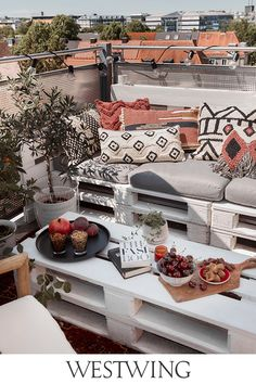 Pin & win een voucher van € 1000 voor WestwingNow - Lilly is Love Patio Decorating Ideas On A Budget, Porch Decorating, Decorating Your Home, Patio Ideas, Decorating Tips, Outdoor Spaces, Outdoor Living, Outdoor Decor, Small Balcony Decor
