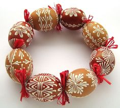 Egg Crafts, Easter Crafts, Diy And Crafts, Greek Easter, Egg Tree, Easter Egg Designs, Flower Pot Crafts, Ukrainian Easter Eggs, Easter Celebration