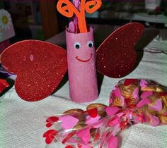 Paper Roll Love Bugs are such a cute way to give someone a give this Valentine's Day! These would be great homemade valentines for your child's classmates.