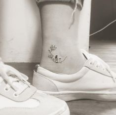 61 Elegant Tattoo Designs All introverted women will love it - . - Best Picture Club - 61 Elegant Tattoo Designs All Introverted Women Will Love It – …, - Mini Tattoos, Small Dog Tattoos, Tiny Tattoos For Girls, Ankle Tattoos For Women, Tattoo Girls, Tattoos For Women Small, Tattoo For Dog, Tiny Cat Tattoo, Ankle Tattoo Small