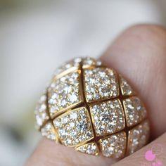 Exquisite diamond ring...Picture Courtesy - @likeab   #bigindianwedding #indianwedding #indianbride #wedding #indianjewelry #jewellery #bridaljewelry #diamondring #diamonds #jewelry #indianjewellery #bridaljewellery #diamondjewelry