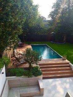 Astonishing Backyard Design Ideas With Swimming Pool, Backyard pool retaining walls Backyard pool retaining walls Small Backyard Design, Swimming Pools Backyard, Small Backyard Landscaping, Swimming Pool Designs, Backyard Patio, Patio Stone, Flagstone Patio, Concrete Patio, Small Patio