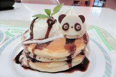 cinnahearts: Panda Hot Cakes (by Sayuri) Cute Food, Good Food, Yummy Food, Yummy Yummy, Bento Recipes, Dessert Recipes, Desserts, Bento Ideas, Hot Wheels