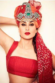 Kareena Kapoor Khan in a Rohit Bal choli & an uncut diamond and emerald 'sar pej' by Gem Palace, Jaipur. Indian Celebrities, Bollywood Celebrities, Bollywood Actress, Bollywood Makeup, Bollywood Party, Bollywood Fashion, Kareena Kapoor Images, Kareena Kapoor Khan, Bollywood Photos