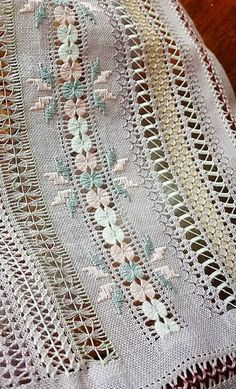 Bargello Patterns, Crochet Gloves Pattern, Drawn Thread, Knitting Stitches, Rococo, Smocking, Needlework, Couture, Blanket