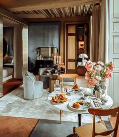 Top Interior Designers, Luxury Interior Design, Best Interior, Katharine Pooley, Townhouse Interior, Living Room Grey, Living Rooms, London, Cabinet Design