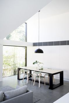 The Allen Key House by Architect Prineas in Sydney, Australia is a modern renovation and addition of a California Bungalow. Contemporary Sheds, Contemporary Design, Style Californien, Casa Top, Bungalow Renovation, Timber Furniture, Ikea Furniture, Architect House, Minimalist Home