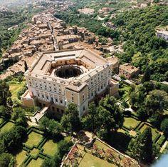 Det flotte, smukke Villa Farnese - en stor seværdighed ikke langt fra Orte Se alle seværdigheder på http://lazio.dk/Orte_sevaerdigheder_omkring.htm