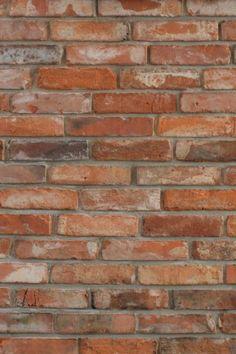 Płytki z cegły - lico klasyczne Stare Cegły Brick Texture, Hardwood Floors, Flooring, Mario, Exterior, Red, Ideas, New Kitchen, Lab Coats