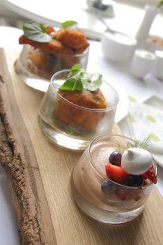 Tiffin Platter in Brownes Bar Punch Bowls, Restaurant Bar, Platter, Fresh, Drink, Ethnic Recipes, Food, Kitchens, Beverage