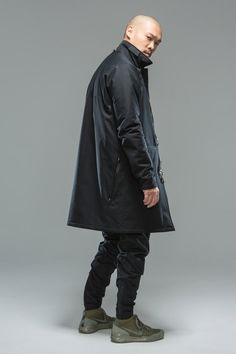Fresh off their long-anticipated collaboration with NikeLab, Errolson Hugh's ACRONYM imprint has released its Fall/Winter 2015 collection. Fashion Tag, Mens Fashion, Fashion Outfits, Fashion Clothes, Acronym Clothing, Moda Cyberpunk, Fall Winter 2015, Nice Dresses, Winter Fashion