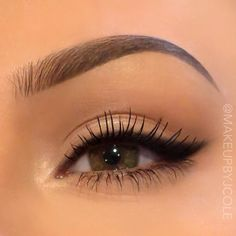 Eye makeup can easily greatly enhance your beauty and make you look fabulous. Find out the best way to use make-up so that you can easily show off your eyes and impress. Uncover the very best ideas for applying make-up to your eyes. Makeup Goals, Makeup Inspo, Makeup Inspiration, Makeup Ideas, Kiss Makeup, Cute Makeup, Gorgeous Makeup, Beauty Make-up, Beauty Tips