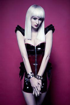 Galeria Paris Hilton Brasil - Vijat M. (Schon Magazine)/1362103587