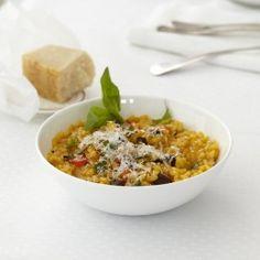 ESSEN & TRINKEN - Tomaten-Risotto mit Oliven und Basilikum Rezept