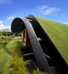 Take a look at this Sky Garden House designed by Guz Architects in Singapore.    Would you live with gardens overhead?