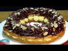 ESPECIAL NAVIDAD. CORONA DE PASTA CHOUX RELLENA DE CREMA PASTELERA Y CHOCOLATE. Loli Domínguez - YouTube Pasta Choux Receta, Waffles, Pancakes, Spanish Desserts, Cupcake Cookies, Doughnut, New Recipes, Deserts, Dessert Recipes
