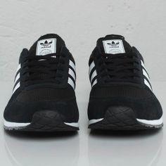 quality design 21e42 4d052 adidas Adistar Racer - 109018 - Sneakersnstuff   sneakers   streetwear  online since 1999. Sneaker StiefelSchuhe TurnschuheAdidas OriginalsSchwarz  Und Weiß
