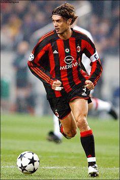Paolo Cesare Maldini(* Milán, Provincia de Milán, Italia, 26 de junio de 1968 - )