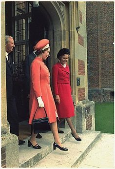 Queen Elizabeth II and Patrica Nixon, then First Lady of the US