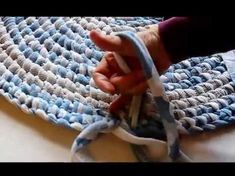 Creating a rag rug using the Amish Knot/Toothbrush rug is so very satisfying. The fabric moves through rug as smooth as butter! See how I prepare my fabric o.Four Eleven Rox: Using Jersey Knit to Make a Rag RugGENIUS BODY HACKS You can't underestimate the Fabric Crafts, Sewing Crafts, Diy Crafts, Sewing Hacks, Handmade Crafts, Toothbrush Rug, Sonicare Toothbrush, Rag Rug Diy, Diy Rugs