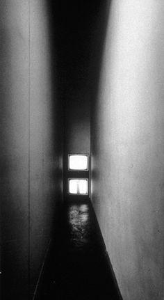 Bruce Nauman. Live-Taped Video Corridor, 1970