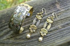 Vintage key hole earring & cuff set by Bueno Style.  So gorgeous.
