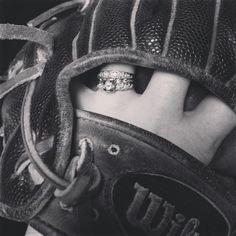 Baseball glove engagement picture idea! ❤️⚾️
