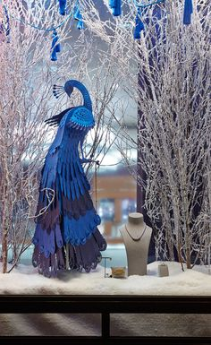 We designed and produced over 60 layered paper birds for Royal Jeweller Mappin & Webb's UK showrooms, as leading pieces for their Christmas 2013 displays. Each store has a combination of peacocks, falcons and herons set amongst frosted branches, snow and …