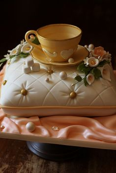 Tea cup and pillow cake