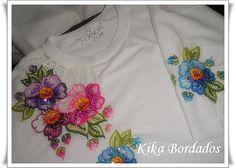 Camisetas bordadas à mão / shirts embroidered by hand