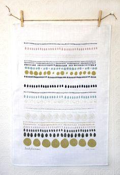 Dots Linen Tea Towel : leah duncan