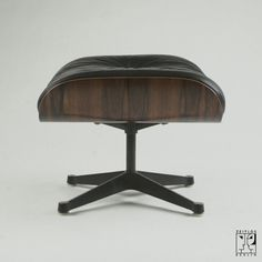 Lounge Chair ottoman by Ray & Charles Eames for Herman Miller